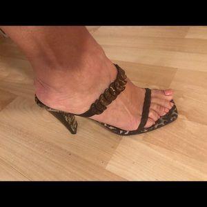 Donald Pliner sexy heels!
